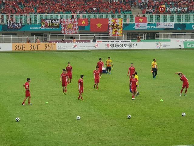 CĐV bần thần trước thất bại của Olympic Việt Nam, nhưng vẫn tự hào vì những gì các cầu thủ đã làm được - Ảnh 108.