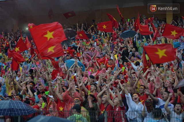 CĐV bần thần trước thất bại của Olympic Việt Nam, nhưng vẫn tự hào vì những gì các cầu thủ đã làm được - Ảnh 17.