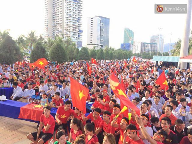 CĐV bần thần trước thất bại của Olympic Việt Nam, nhưng vẫn tự hào vì những gì các cầu thủ đã làm được - Ảnh 31.