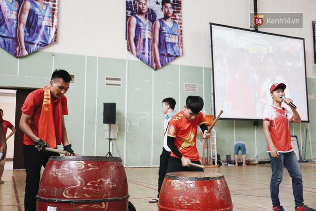 CĐV bần thần trước thất bại của Olympic Việt Nam, nhưng vẫn tự hào vì những gì các cầu thủ đã làm được - Ảnh 113.
