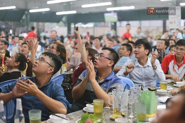 CĐV bần thần trước thất bại của Olympic Việt Nam, nhưng vẫn tự hào vì những gì các cầu thủ đã làm được - Ảnh 54.