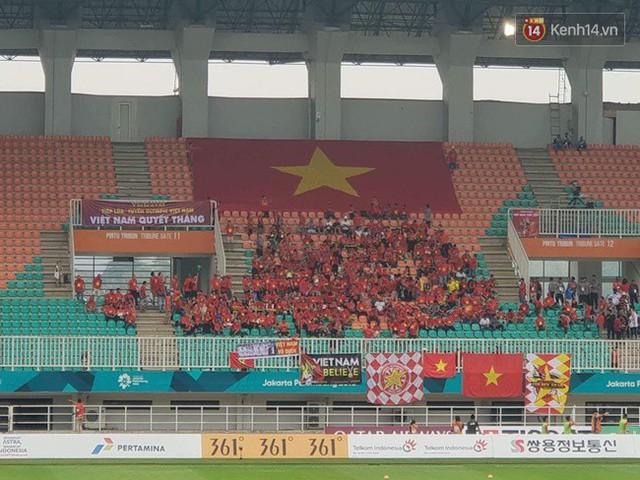 CĐV bần thần trước thất bại của Olympic Việt Nam, nhưng vẫn tự hào vì những gì các cầu thủ đã làm được - Ảnh 119.