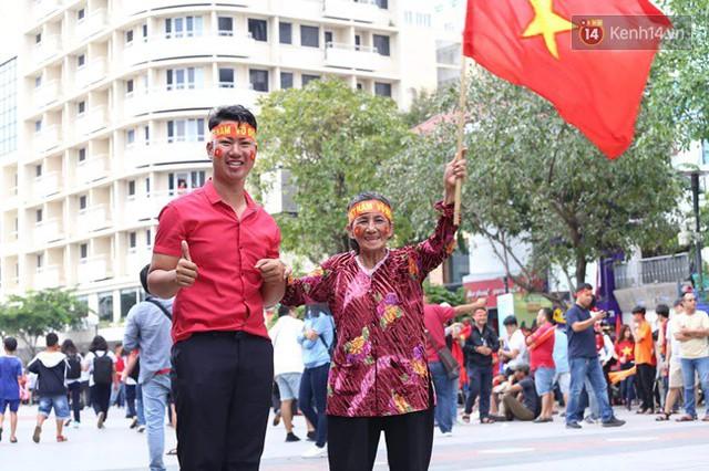 CĐV bần thần trước thất bại của Olympic Việt Nam, nhưng vẫn tự hào vì những gì các cầu thủ đã làm được - Ảnh 126.