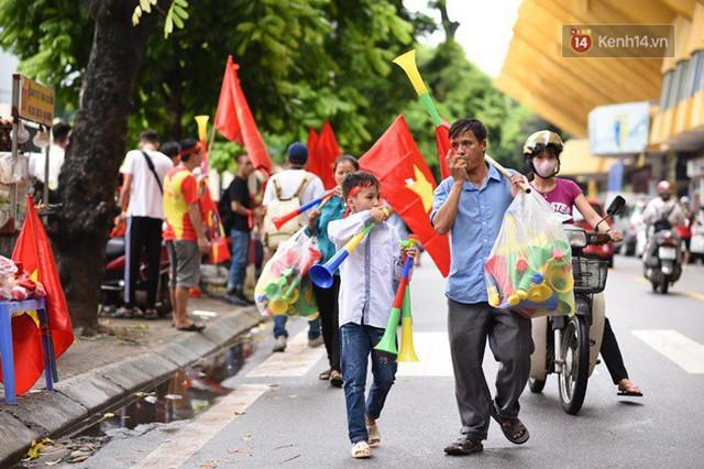 CĐV bần thần trước thất bại của Olympic Việt Nam, nhưng vẫn tự hào vì những gì các cầu thủ đã làm được - Ảnh 129.