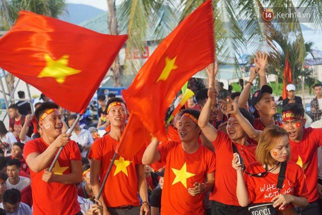 CĐV bần thần trước thất bại của Olympic Việt Nam, nhưng vẫn tự hào vì những gì các cầu thủ đã làm được - Ảnh 33.