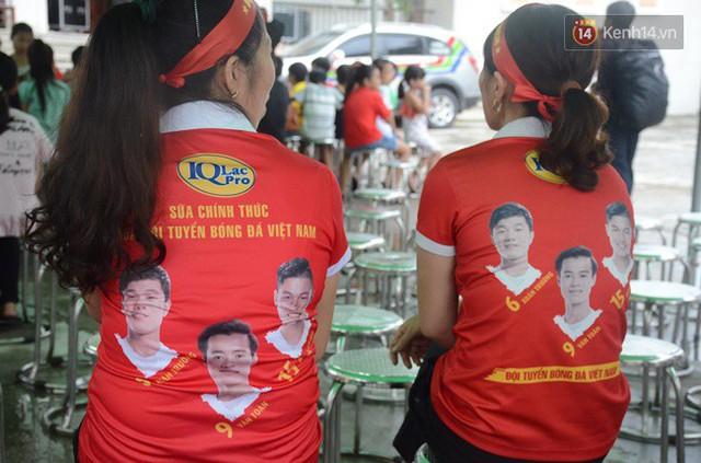 CĐV bần thần trước thất bại của Olympic Việt Nam, nhưng vẫn tự hào vì những gì các cầu thủ đã làm được - Ảnh 131.