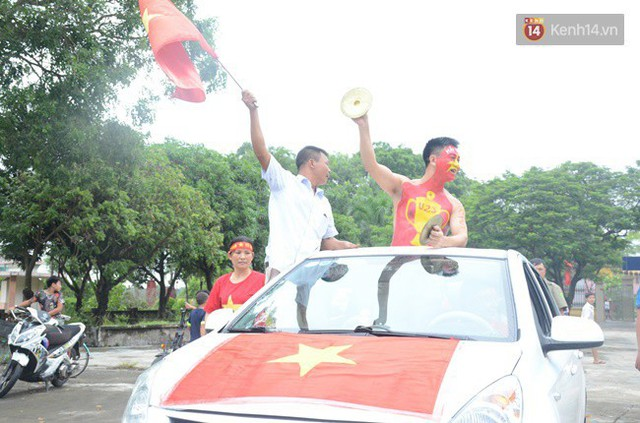 CĐV bần thần trước thất bại của Olympic Việt Nam, nhưng vẫn tự hào vì những gì các cầu thủ đã làm được - Ảnh 132.