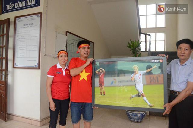 CĐV bần thần trước thất bại của Olympic Việt Nam, nhưng vẫn tự hào vì những gì các cầu thủ đã làm được - Ảnh 133.