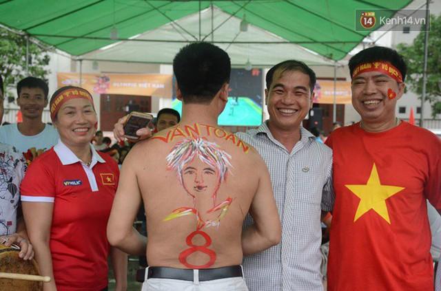CĐV bần thần trước thất bại của Olympic Việt Nam, nhưng vẫn tự hào vì những gì các cầu thủ đã làm được - Ảnh 134.
