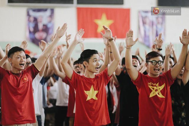 CĐV bần thần trước thất bại của Olympic Việt Nam, nhưng vẫn tự hào vì những gì các cầu thủ đã làm được - Ảnh 81.