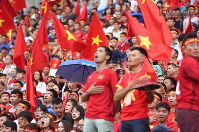 CĐV bần thần trước thất bại của Olympic Việt Nam, nhưng vẫn tự hào vì những gì các cầu thủ đã làm được - Ảnh 91.