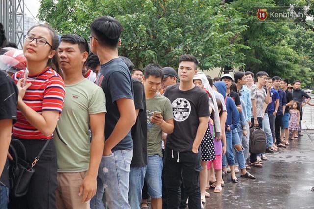 CĐV bần thần trước thất bại của Olympic Việt Nam, nhưng vẫn tự hào vì những gì các cầu thủ đã làm được - Ảnh 140.