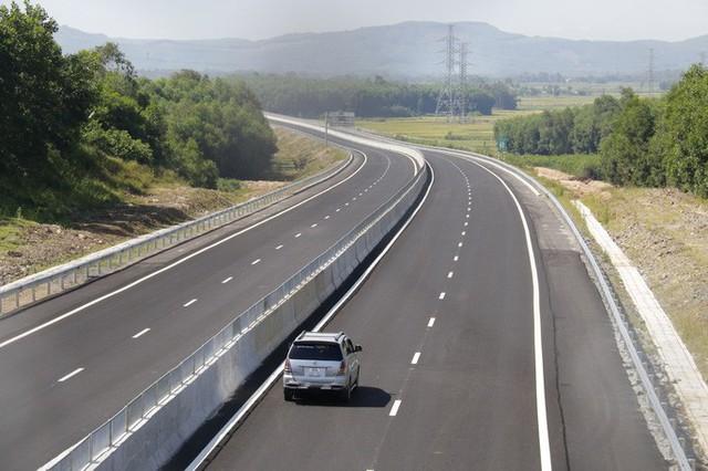 Ngắm cao tốc hơn 34.500 tỉ đầu tiên ở miền Trung - Ảnh 16.