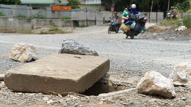 Ngổn ngang tuyến đường đổi bằng 180 ha đất vàng ở Hà Nội   - Ảnh 5.
