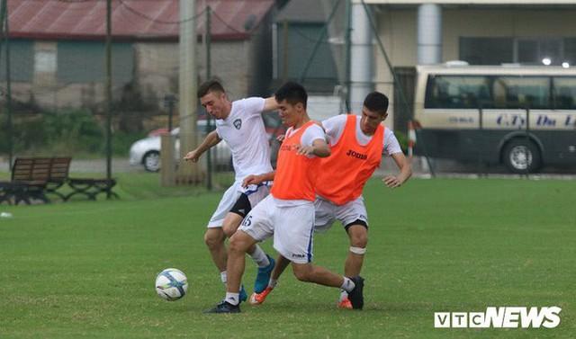 Dùng đội hình B, U23 Uzbekistan gọi viện binh đấu U23 Việt Nam - Ảnh 1.