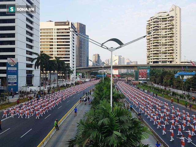 Indonesia thiết lập kỷ lục guiness khi tổ chức khai mạc Asiad - Ảnh 1.