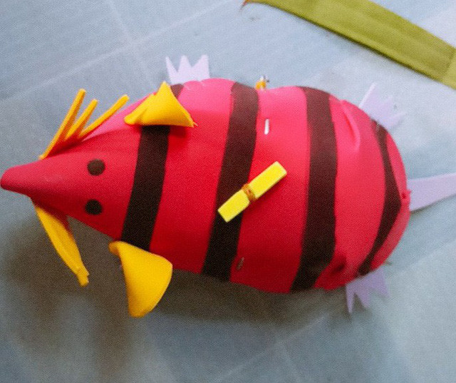 Gặp người tạo ra những món đồ chơi dân gian phục vụ trẻ thơ - Ảnh 4.