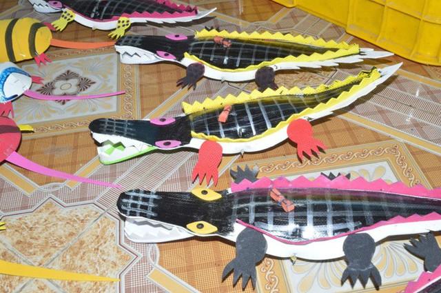 Gặp người tạo ra những món đồ chơi dân gian phục vụ trẻ thơ - Ảnh 7.
