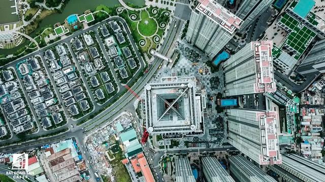 Toàn cảnh thành phố trọng điểm Sài Gòn nhìn từ đỉnh tòa nhà cao nhất Việt Nam - Ảnh 4.