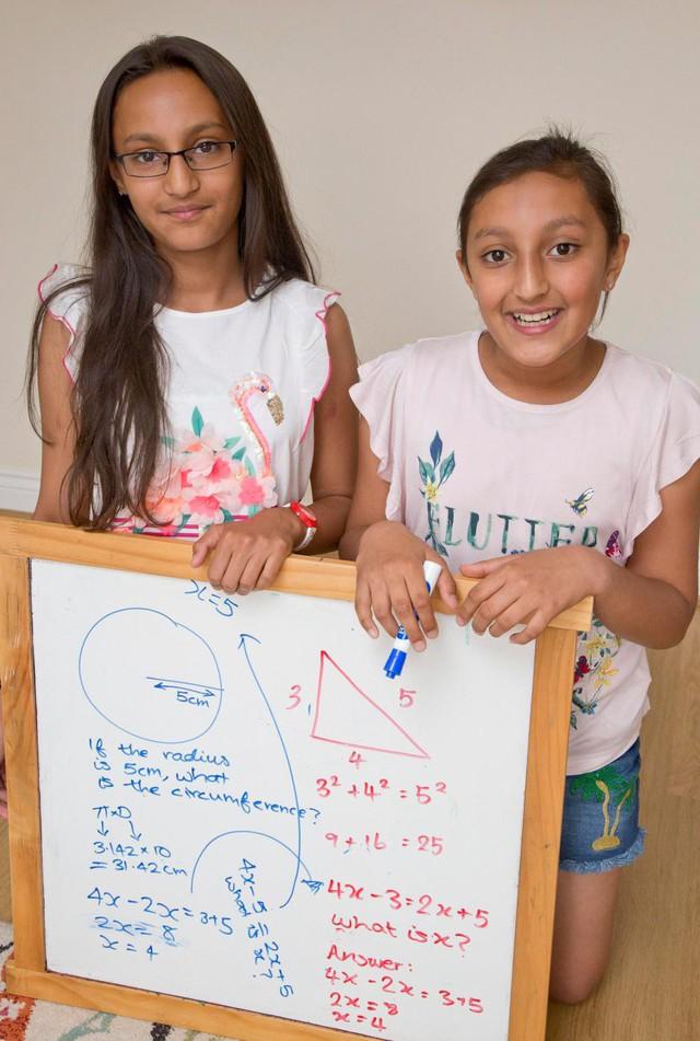 Mê cờ vua, xếp lego, cặp song sinh 11 tuổi gốc Ấn gây sốt khi có chỉ số IQ cao hơn cả Albert Einstein và Stephen Hawking - Ảnh 2.