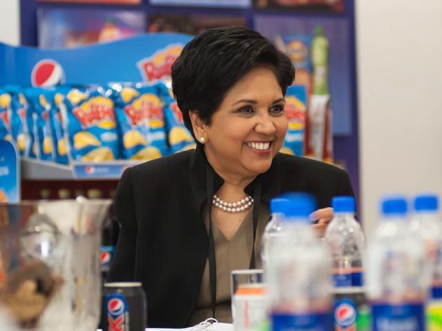 Cuộc đời và sự nghiệp của nữ tướng lừng danh Pepsi: Đặt chân tới Mỹ ở tuổi 22, kiếm được 31 triệu USD trong năm ngoái - Ảnh 3.