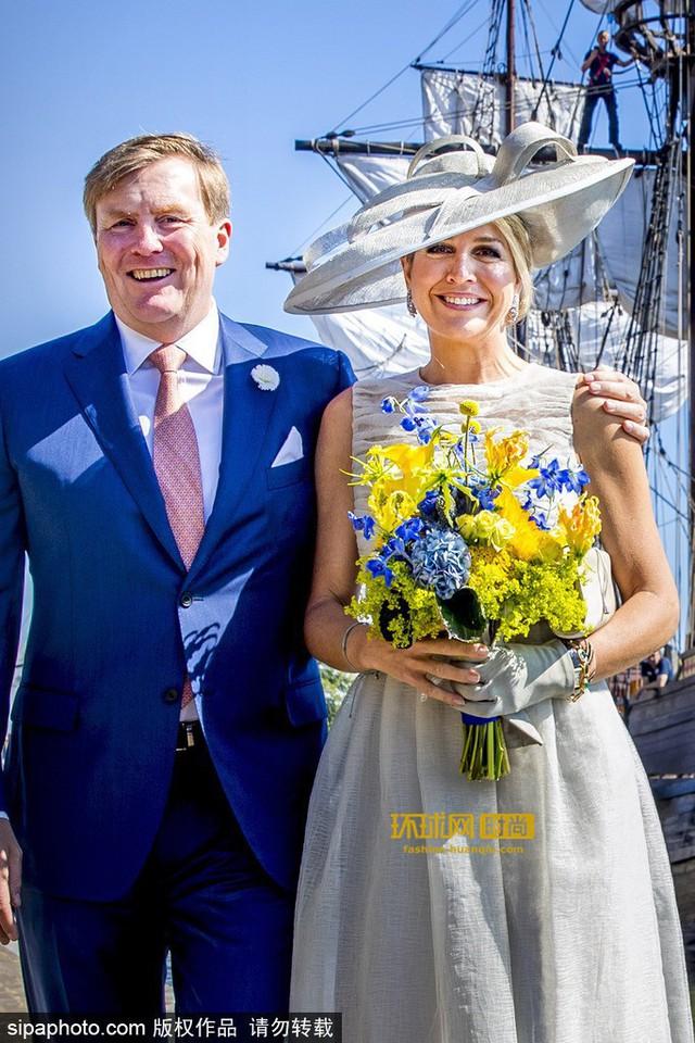 Tại Hoàng gia Hà Lan, cũng có một vị Hoàng hậu chuyên mặc đồ sặc sỡ cạnh tranh với Nữ hoàng Anh - Ảnh 6.