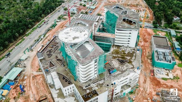 Cận cảnh tiến độ xây dựng dự án bệnh viện 5.800 tỷ đồng, hiện đại bậc nhất tại khu Đông (Tp.HCM) - Ảnh 6.