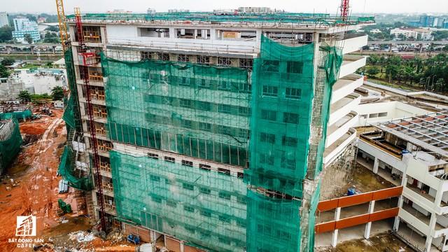 Cận cảnh tiến độ xây dựng dự án bệnh viện 5.800 tỷ đồng, hiện đại bậc nhất tại khu Đông (Tp.HCM) - Ảnh 19.