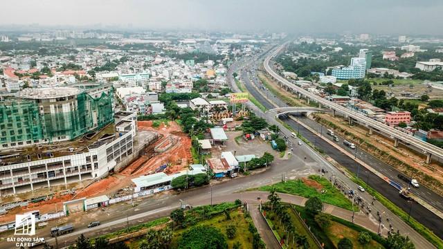 Cận cảnh tiến độ xây dựng dự án bệnh viện 5.800 tỷ đồng, hiện đại bậc nhất tại khu Đông (Tp.HCM) - Ảnh 1.