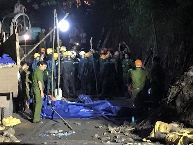 Sập hầm lò, 2 công nhân thương vong tại Quảng Ninh - Ảnh 1.