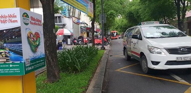 Bến taxi đầu tiên ở TPHCM ế khách trong ngày đầu thí điểm   - Ảnh 3.
