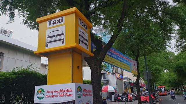 Bến taxi đầu tiên ở TPHCM ế khách trong ngày đầu thí điểm   - Ảnh 4.