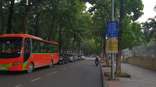 Bến taxi đầu tiên ở TPHCM ế khách trong ngày đầu thí điểm   - Ảnh 6.