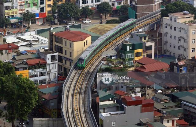 Clip: Hành trình 15 phút đoàn tàu đường sắt trên cao lao vun vút từ ga Cát Linh tới Yên Nghĩa - Ảnh 13.