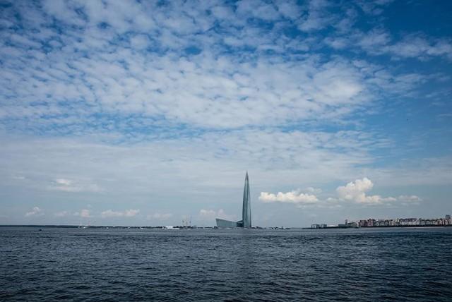 Ảnh: Chóng mặt với tòa tháp cao nhất châu Âu sắp hoàn thành tại Nga - Ảnh 14.