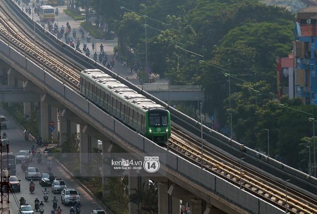 Clip: Hành trình 15 phút đoàn tàu đường sắt trên cao lao vun vút từ ga Cát Linh tới Yên Nghĩa - Ảnh 15.