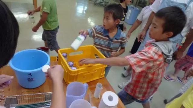 Chuyện giáo dục ở Nhật Bản: Chỉ một bữa trưa của học sinh tiểu học đã cho thấy người Nhật bỏ xa thế giới ở lĩnh vực trồng người như thế nào - Ảnh 16.