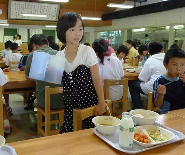 Chuyện giáo dục ở Nhật Bản: Chỉ một bữa trưa của học sinh tiểu học đã cho thấy người Nhật bỏ xa thế giới ở lĩnh vực trồng người như thế nào - Ảnh 8.