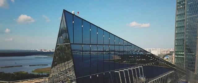 Ảnh: Chóng mặt với tòa tháp cao nhất châu Âu sắp hoàn thành tại Nga - Ảnh 9.