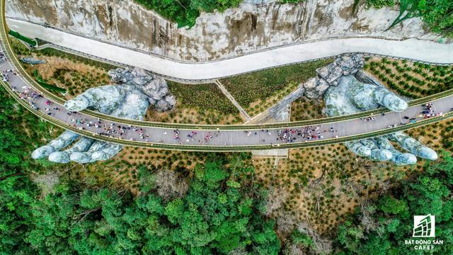 [Clip] Cầu vàng Đà Nẵng nổi tiếng chỉ sau 2 tháng công bố, lọt top 100 điểm đến hoàn hảo nhất địa cầu - Ảnh 5.