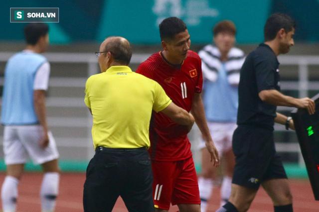 HLV Lê Thụy Hải: Ông Park muốn thắng trong 90 phút thì phải chơi tấn công nhưng không nên - Ảnh 1.