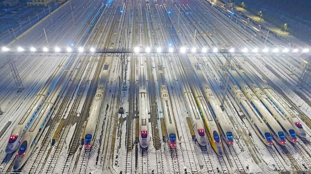 Giải mã sự phát triển thần kỳ của đường sắt cao tốc Trung Quốc - Ảnh 1.