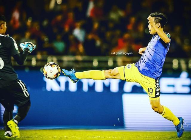 Tiền đạo Văn Quyết - người ghi bàn thắng tung lưới Olympic UAE già thứ nhì đội tuyển, là anh rể tương lai của Duy Mạnh - Ảnh 5.