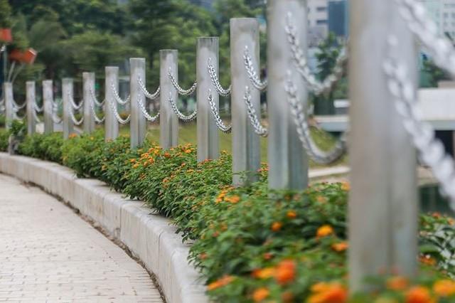 Công viên 300 tỷ chính thức hoạt động sau 2 năm đắp chiếu - Ảnh 11.