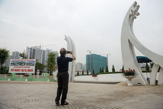 Công viên 300 tỷ chính thức hoạt động sau 2 năm đắp chiếu - Ảnh 15.