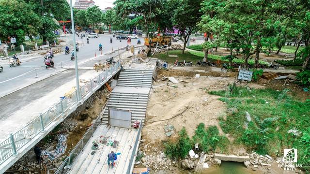 Toàn cảnh dự án cầu đi bộ siêu sang lát gỗ lim gần 53 tỷ đồng ở Huế - Ảnh 8.