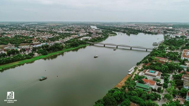 Toàn cảnh dự án cầu đi bộ siêu sang lát gỗ lim gần 53 tỷ đồng ở Huế - Ảnh 1.