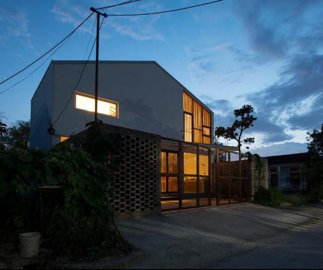 Ngôi nhà có thiết kế lạ tại Hải Phòng đẹp hút hồn xuất hiện trên báo Mỹ - Ảnh 1.