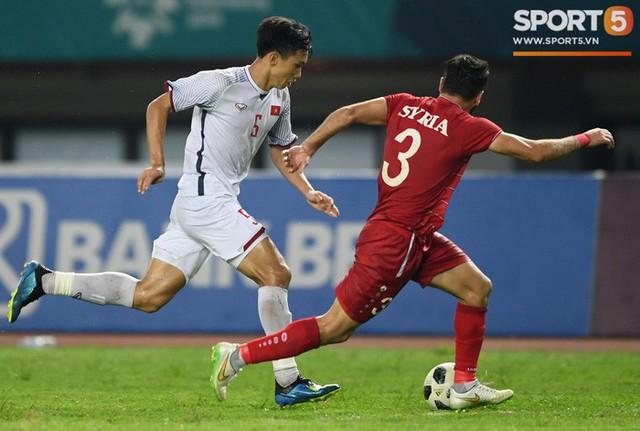 HLV Hoàng Anh Tuấn: U19 Việt Nam để dành Đoàn Văn Hậu cho đội tuyển Quốc gia - Ảnh 1.