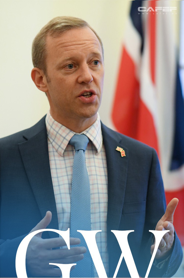 Chân dung tân Đại sứ Vương Quốc Anh - người viết facebook bằng tiếng Việt - Ảnh 4.